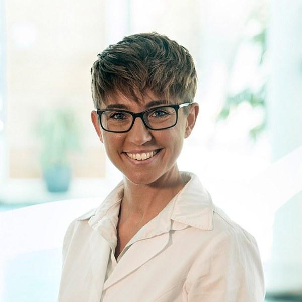 DR. LAURA SANTINI